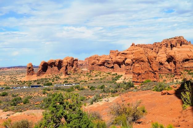 Красивые пейзажи знаменитого национального парка арки, штат юта, сша