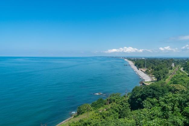 黒海湾、アジャラの美しい風光明媚な夏の景色