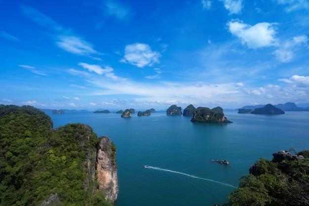 태국 크라비(krabi)의 코홍 섬(koh hong island) 뷰 포인트인 마운트 피크(mountian peak)의 아름다운 바다 전망