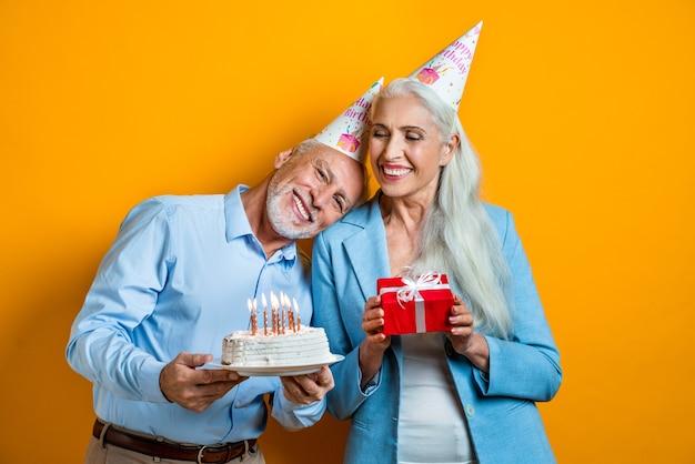 연인의 아름 다운 수석 커플입니다. 노인 초상화