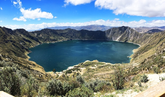 Beautiful shot of laguna quilotoa, quinta, ecuador