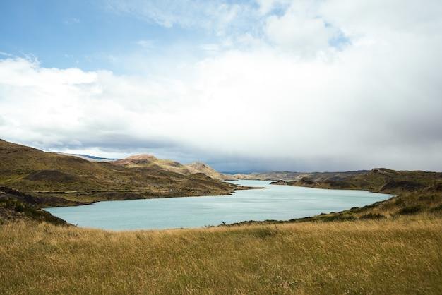 チリのトレスデルパイネ国立公園の風景の美しいショット