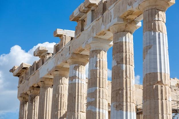 ギリシャ、アテネのアクロポリスの城塞の美しいショット