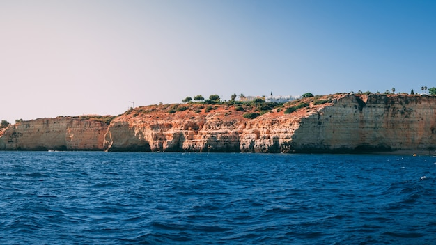 포르투갈의 algarve 해안의 아름다운 샷