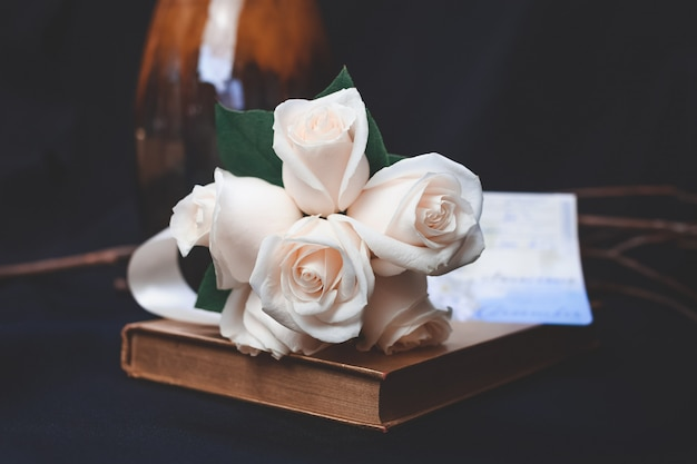 Bello colpo del mazzo del fiore della rosa della pesca