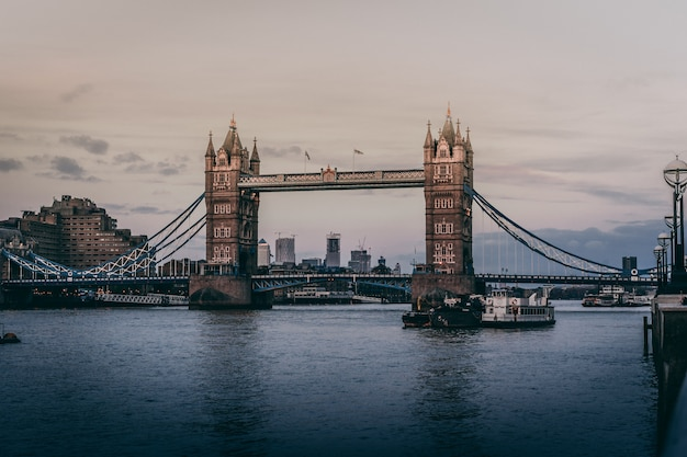 Bello colpo di tower bridge a londra