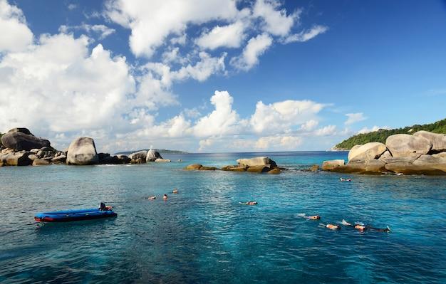 タイ、アンダマン海の美しいシミラン島