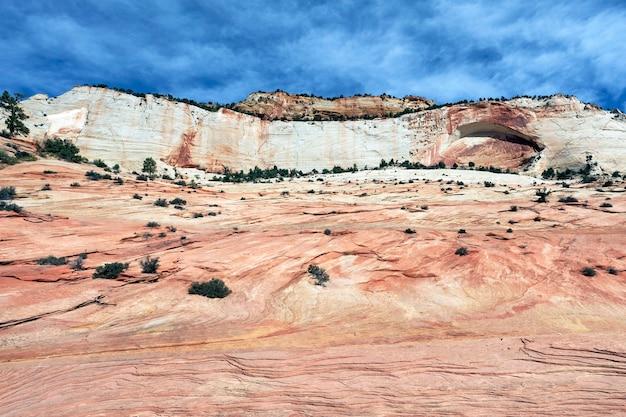 Красивые склоны каньона зион. юта. сша.