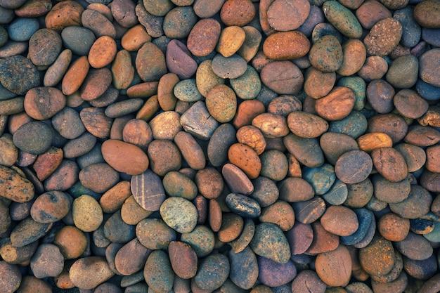 Красивые маленькие и красочные гальки и камень для декоративного и строительства.