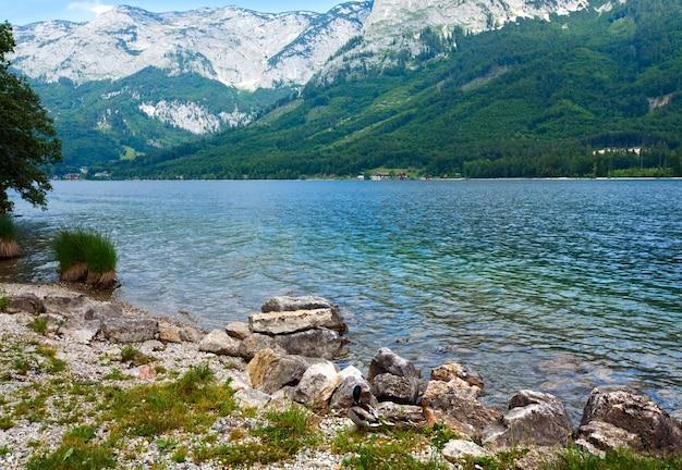 아름 다운 여름 알파인 호수 grundlsee보기, 오스트리아