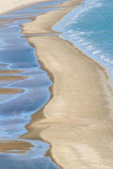 아름다운 여름 긴 해변과 햇빛 태국의 열대