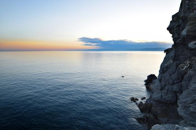 카모글리 리구리아의 아름다운 일몰