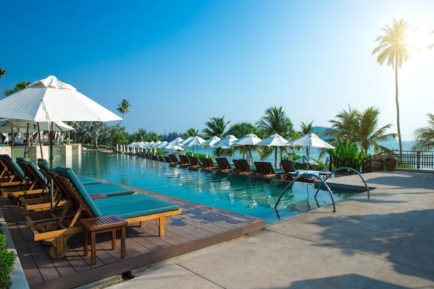 Красивый бассейн в таиланде