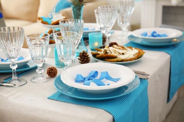 ハヌカの美しいテーブルセッティング、クローズアップ