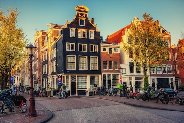 Красивая спокойная сцена города амстердам.