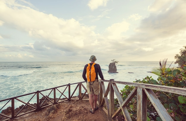 코스타리카의 아름다운 열대 태평양 연안