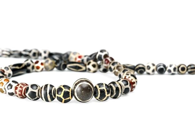 목걸이에 아름다운 귀중한 pyu 고대 둥근 모양의 에칭 마노