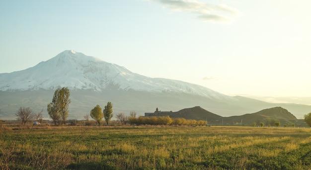 Красивый вид. горы арарат из армении