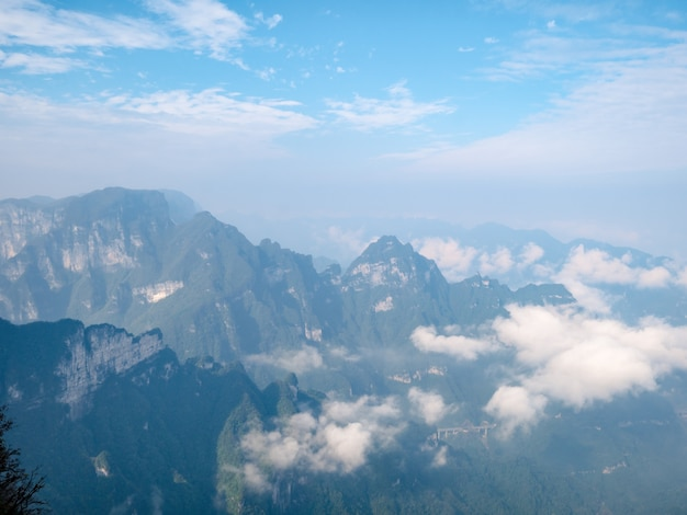 Прекрасный вид с горы тяньмэнь