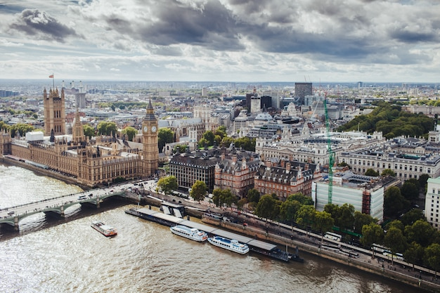 Beautiful view of london with its famous buildings: big ben, palace of westminster, westminster bridge
