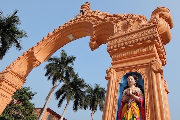 リシケシインドのパルマースニケタンアシュラムの美しい景色
