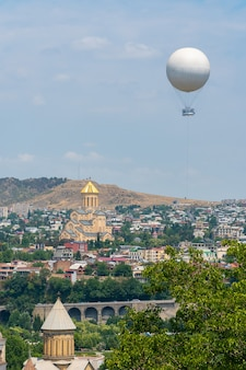 グルジアの首都トビリシの美しい景色。都市の景観