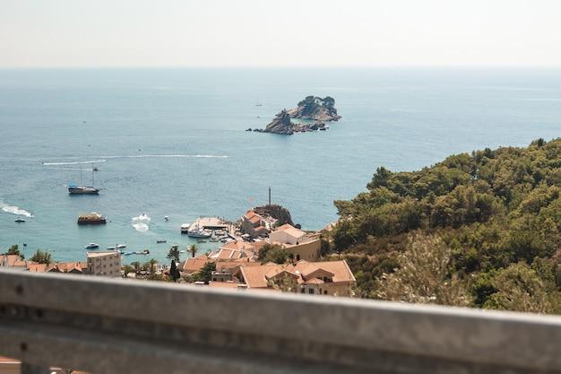 モンテネグロのアドリア海の美しい景色