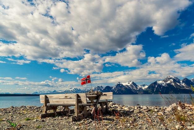 ノルウェーのフィヨルドの美しい景色