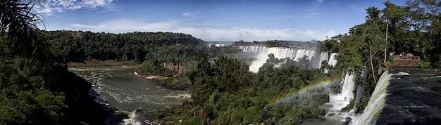 イグアスの滝の美しい景色、イグアスの滝のパノラマ、南米の新世界七不思議の1つ