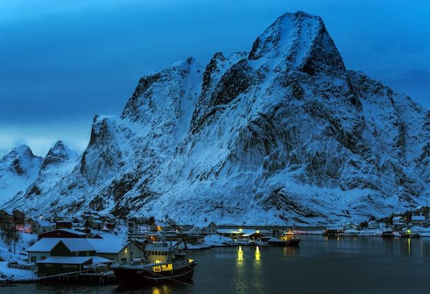 Прекрасный вид на лофотенские острова, норвегия