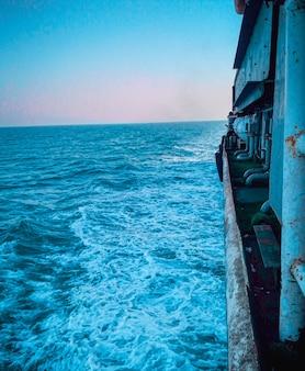 발사부터 바다의 아름다운 전망