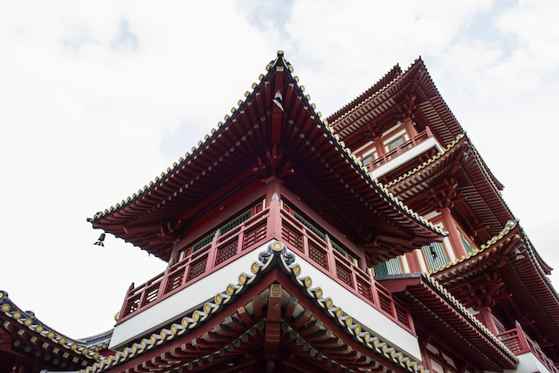 Прекрасный вид храма реликвии зуба в сингапуре