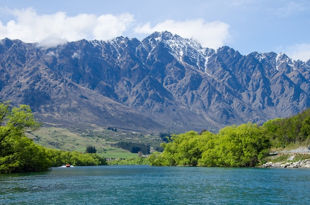 Beautiful view of the remarkables mountain range in  queenstown, new zealand
