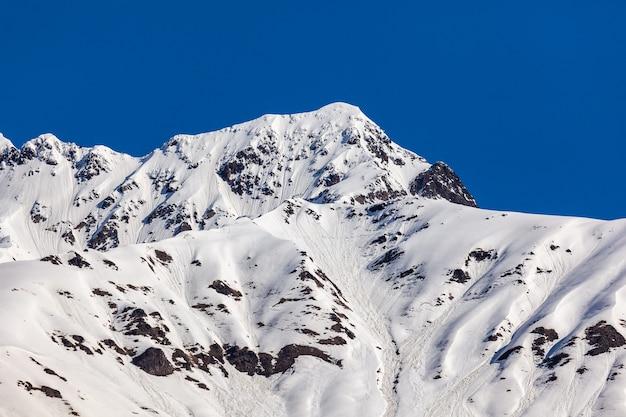 ジョージア州の高山地帯であるスヴァネティ山脈の美しい景色。風景