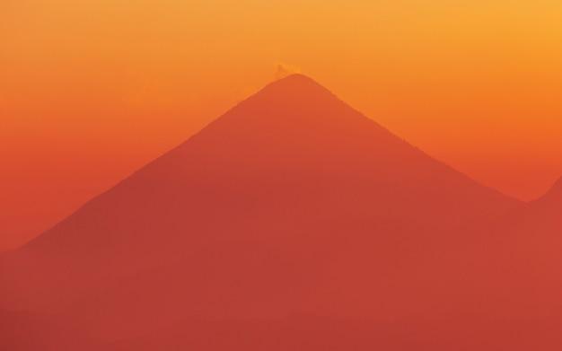 중앙 아메리카 과테말라의 아름다운 화산 풍경