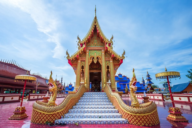 The beautiful of wat pipatmongkol is a buddhist temple