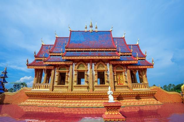 The beautiful of wat pipatmongkol is a buddhist temple