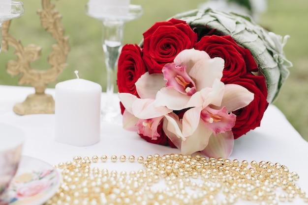 花の美しいウェディングブーケ