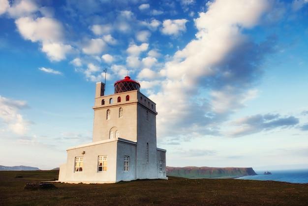 ケープアイスランドの美しい白い灯台