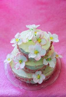 아름다운 하얀 웨딩 케이크 꽃, 디저트, 교회 과자