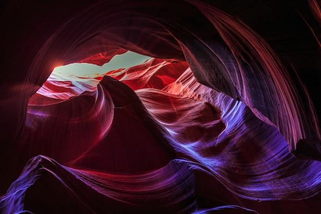 유명한 영양 캐년의 놀라운 사암 구조물의 아름다운 광각보기