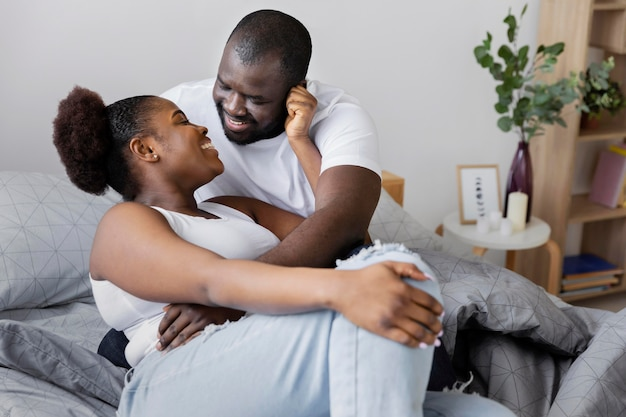 Красивая жена и муж хорошо проводят время