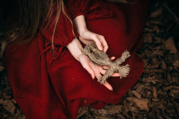 숲에 사는 아름다운 마녀