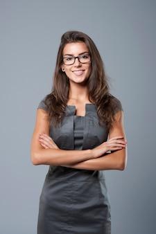 Красивая женщина готова к работе
