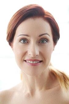 Портрет красивой женщины, концепция ухода за кожей лица