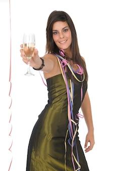 新年会でシャンパンとガラスの美しい女性