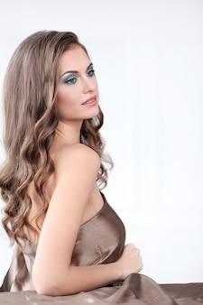 Красивейшая женщина состава