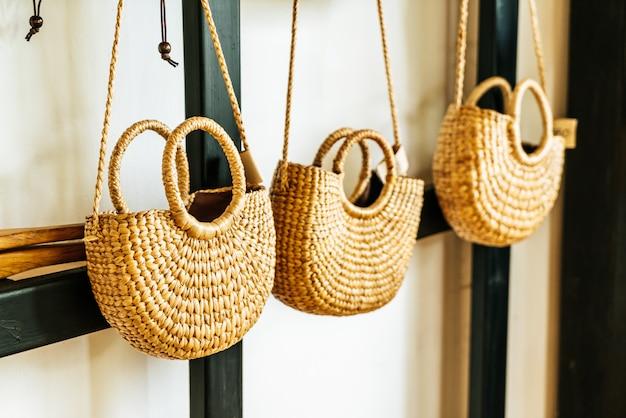Красивые тканые сумки