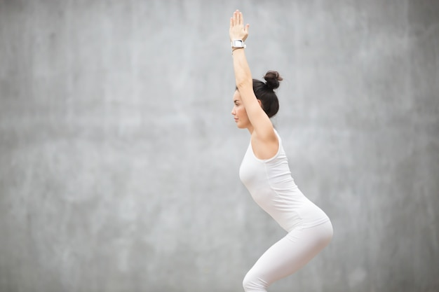 Beautiful yoga: utkatasana pose