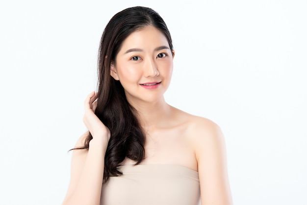 Красивая молодая азиатская женщина с чистой свежей кожей. уход за лицом, уход за лицом, косметология